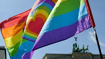 A németek felvilágosították Deutsch Tamást, mi a különbség az LMBTQ és a nácizmus között