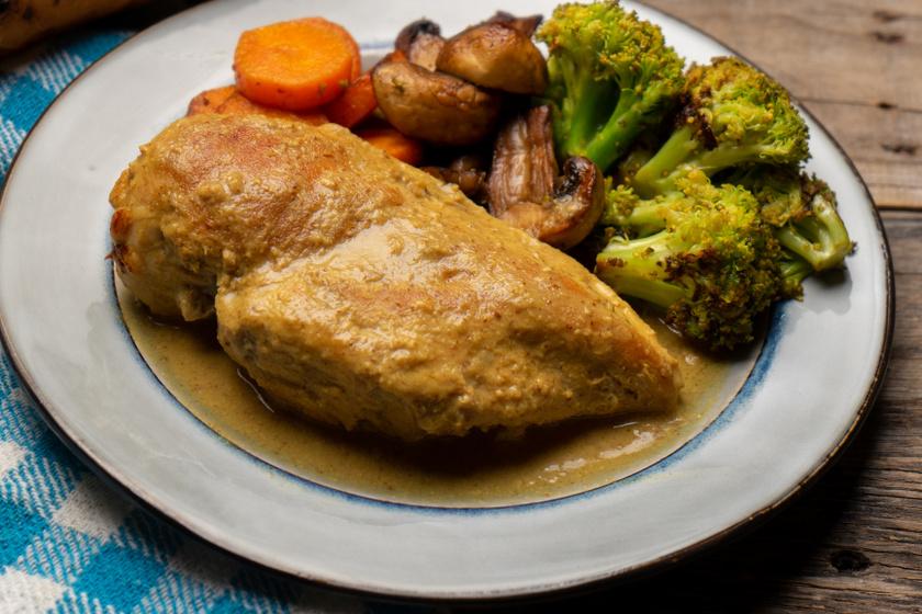 Szaftos mustáros csirkemell: dijoni mustárral a legfinomabb
