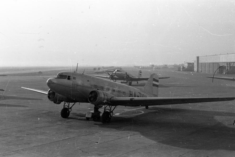 A repülőgép 1960-ban Ferihegyen