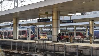 Késnek a balatoni vonatok
