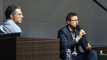 Színpadon csapott össze Gulyás Gergely és Schiffer András