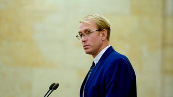 Steinmetz Ádám: Olyan terekbe nyomult be a politika, ahol nem lenne helye