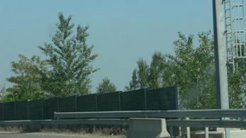 Hosszú kocsisor az M7-esen, több másik autópályán is torlódnak az autók