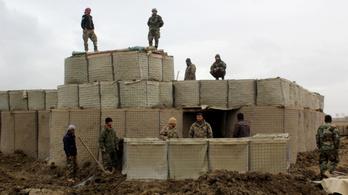 Kunduz elesett, tömegek menekülnek a tálibok elől