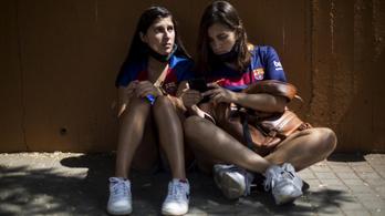 Videó: Messi, Messi, Messi! – a szurkolók nem akarták elengedni a síró sztárt