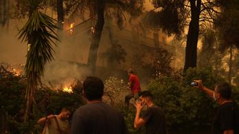 Ezreket evakuáltak Görögországban