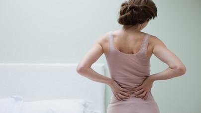 Szinte hihetetlen összefüggések: a hátfájásod oka az állkapcsodban is lehet, és fordítva