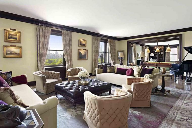 Douglasék imádták ezt a magas belmagasságú lakást, gyakran rendeztek itt különböző összejöveteleket