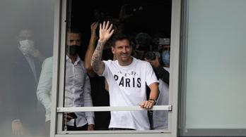 A PSG bejelentette: hat Aranylabda érkezett Párizsba