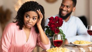 Bizarr sztori: édesanyja hamvaival ment a Tinder-randira