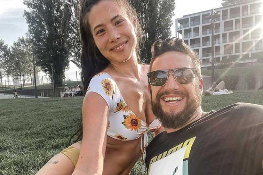 Nem csodálkozunk, hogy Shane Tusup fülig beleszeretett Courtneyba. Az egzotikus szépségű lány bikiniben is gyönyörű.
