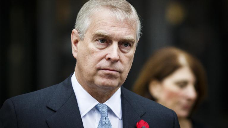 A tartalékos uralkodó: így tette tönkre magát az egykor sármos brit herceg
