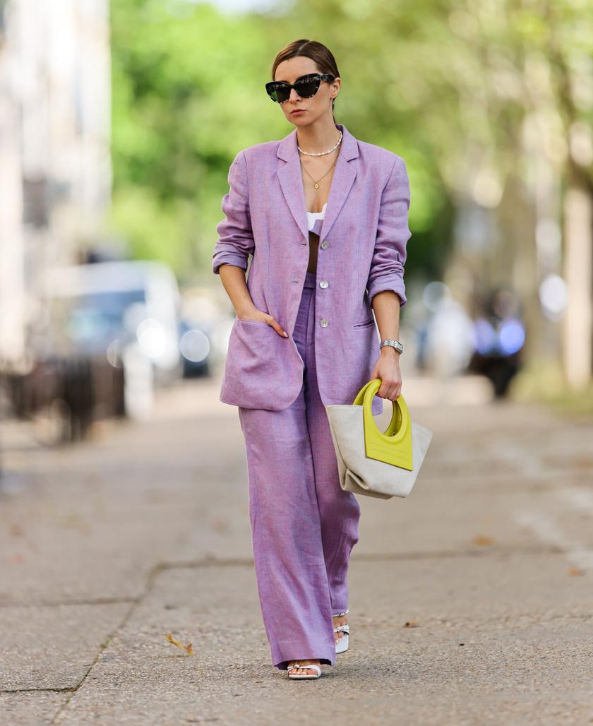 A lila szín már hónapok óta hódít, és ősszel is ez lesz az egyik legnagyobb kedvenc. A pasztellárnyalat zakóban, elegáns nadrágban és ruhában is jól mutat.