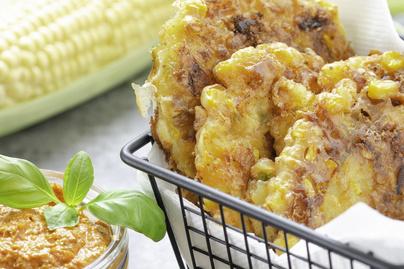 Kívül ropogós, belül puha kukoricafasírt - Sajttal dúsítva készül