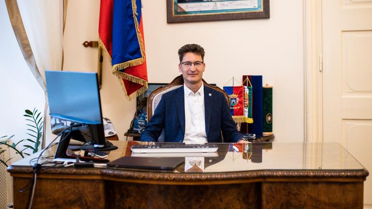Cser-Palkovics András: Hiányzik a magyar politikából az, hogy képesek legyünk gesztusokra