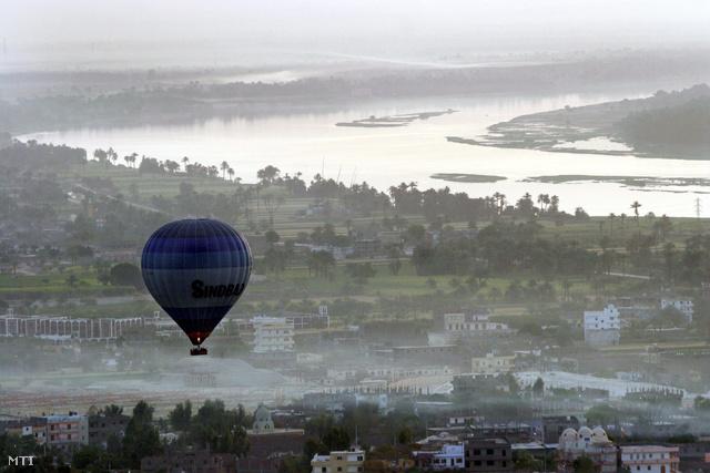 Hőlégballon Luxor felett