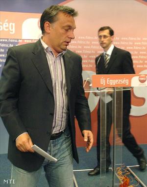 Budapest, 2008. Orbán Viktor és Varga Mihály.