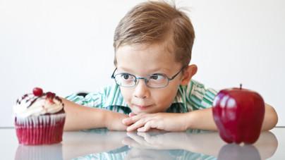 Így tanítsd meg a gyerekednek a tudatos étkezést erőltetés nélkül, sőt játékosan