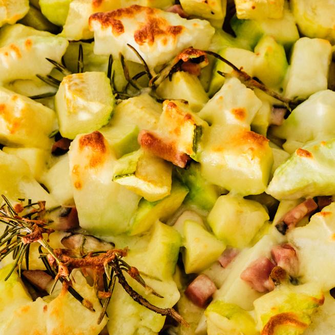 Rakott patisszon sok sajttal dúsítva – A nyári zöldség nem csak rántva isteni