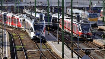 Váltóhiba miatt késések és járatkimaradások jönnek a Déli pályaudvaron
