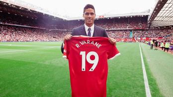A Manchester United bejelentette Raphaël Varane szerződtetését