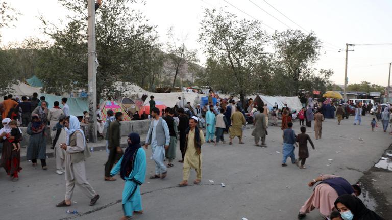 Afganisztán összes határátkelője a tálibok irányítása alá került, körbevették a fővárost