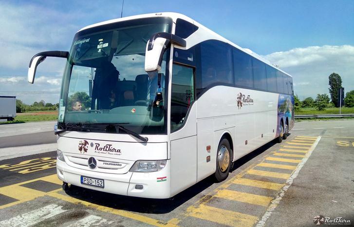 A balesetet szenvedett autóbusz (fotó: RoliTúra)