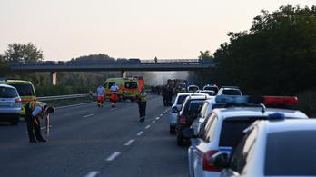 Egynapos horvát nyaralásról tért vissza a busz, ami balesetet szenvedett az M7-esen