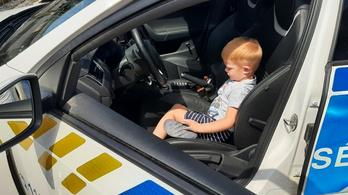 Rendőrök tették szebbé Zétény születésnapját