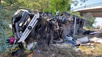 Már 17 utast kiengedtek a fehérvári kórházból