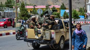 Külföldre menekült az afgán elnök, a tálibok elfoglalták a palotáját