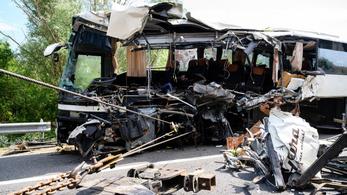 Megszólalt a buszsofőr fia: Nem igaz, hogy apám elaludt a volán mögött