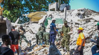 Eddig hivatalosan 1297 halálos áldozata van a haiti földrengésnek