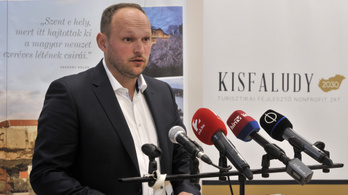 Jó üzletet csinált Hernádi Zsolt Mol-vezér családja Esztergomban