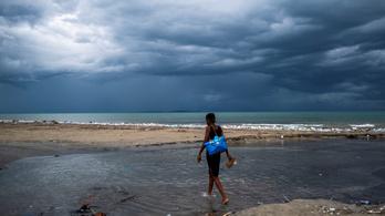 A földrengés után most egy trópusi vihar sújtja Haitit