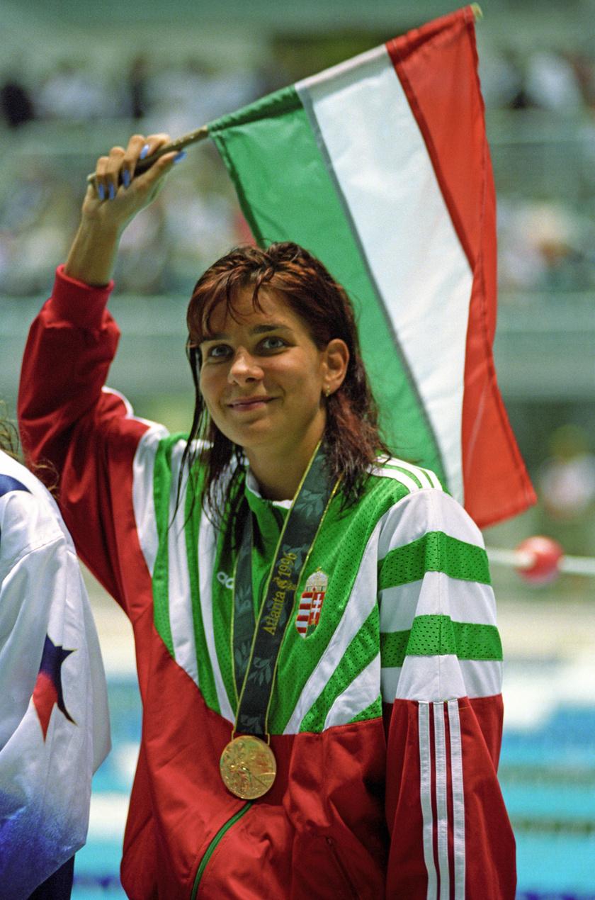 Egerszegi Krisztina a női 200 méteres hátúszás olimpiai bajnoka az atlantai olimpián, ami után 1996-ban visszavonult.
