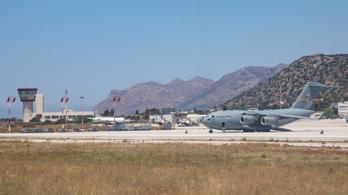C–17-es katonai szállítógép indult az Afganisztánban veszteglő magyarokért