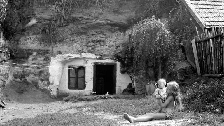 A legvidámabb barlangbarakkok