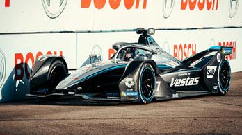 Kiszáll a Formula-E-ből a friss bajnok Mercedes