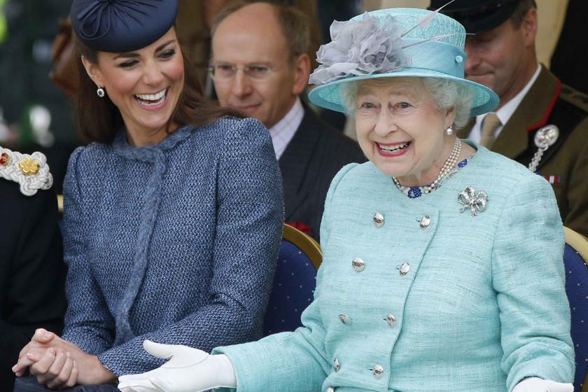 A királynő és Katalin napjainkban már nagyon jóban vannak egymással.