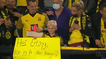 Valóra váltotta egy kisfiú álmát a Dortmund gólvágója