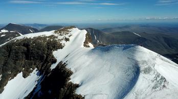 Évente 2 méterrel megy össze a svédek legnagyobb hegye