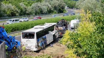 M7-es buszbaleset: már korábban is bajba került az üzemeltető cég?