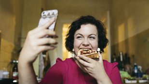 Ha fogyni szeretnél, nemcsak a gyorsételekről kell leszoknod, de az Instagram-posztolásról is