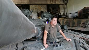 Magyarországon is lehet Tigrissel aludni, tankot vezetni!
