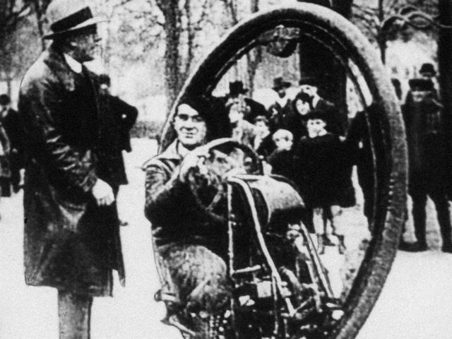Piruettezésre alkalmas egykerekű  1930-ból