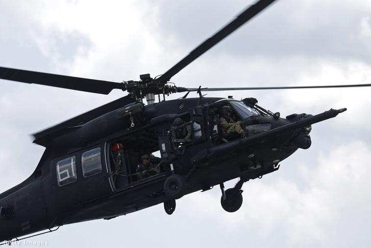 Amerikai Black Hawk harci helikopter