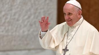 Különleges ajándékkal várják Ferenc pápát Szlovákiában