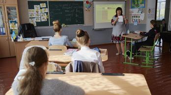 Január után újabb béremelést kapnak a tanárok