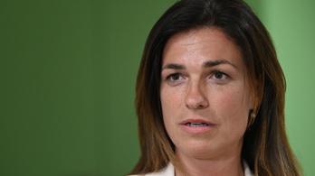 Varga Judit félmillió forintot ajánlott fel a Covid-árvákat támogató alapítványnak
